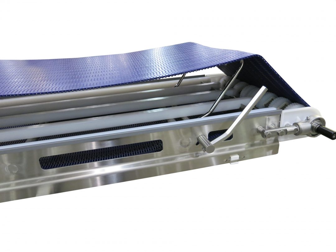 Retracting Tail Open on AquaPruf 7400 Conveyor